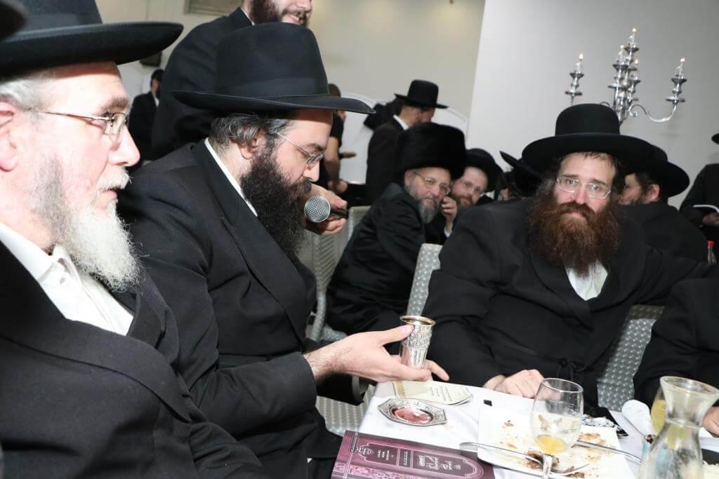 """יו""""ר בקהילה הרב לייבל פפר חיתן את בתו • גלריה 48"""