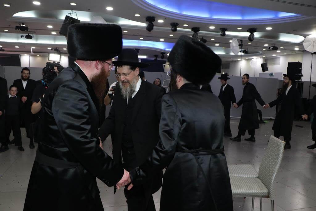 """יו""""ר בקהילה הרב לייבל פפר חיתן את בתו • גלריה 59"""